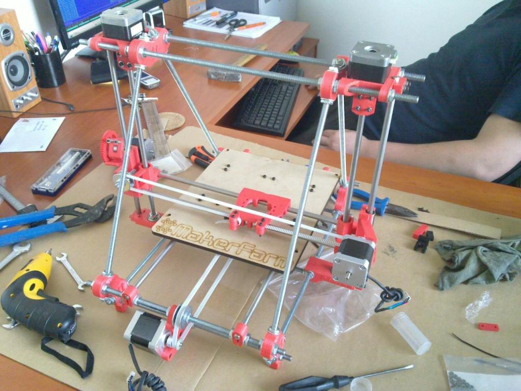 RepRap - osazení posuvných částí a motorků